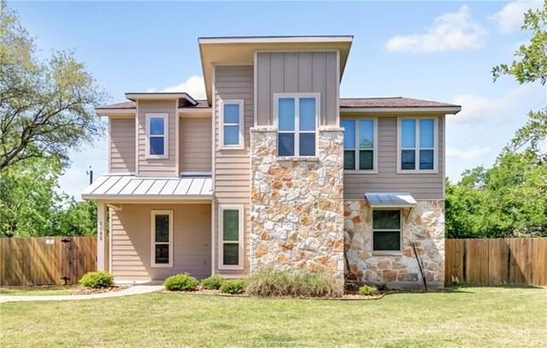 Contemporary,Traditional, Single Family - College Station, TX (photo 1)