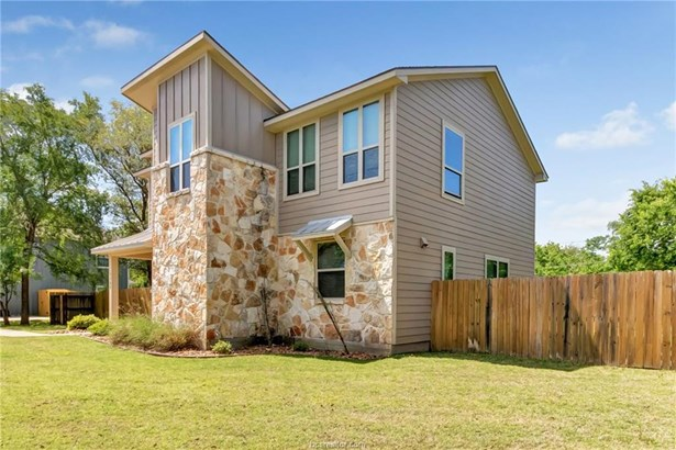 Contemporary,Traditional, Single Family - College Station, TX (photo 4)