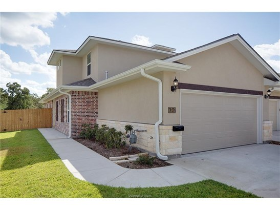 New Townhome, Traditional - College Station, TX (photo 2)