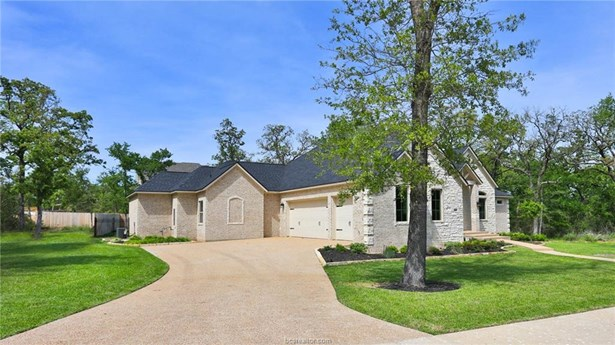 New Builder Home, Traditional - College Station, TX (photo 4)