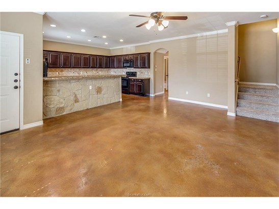 Townhome, Traditional - College Station, TX (photo 5)