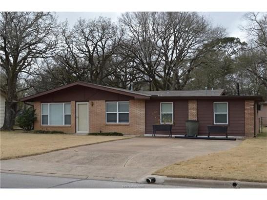 Traditional, Single Family - Bryan, TX (photo 1)