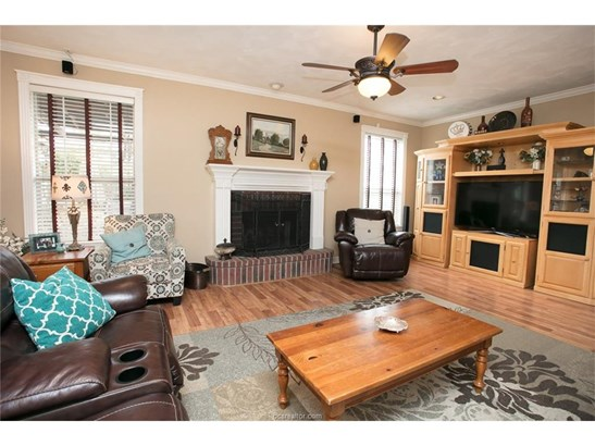 Traditional, Single Family - Bryan, TX (photo 4)