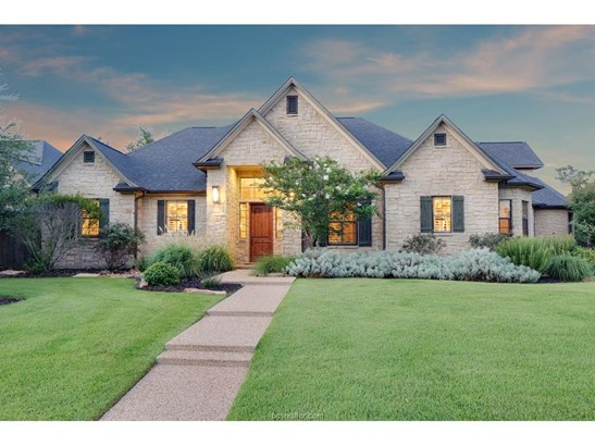 Traditional, Single Family - Bryan, TX (photo 1)