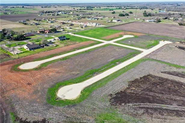 Urban Residential Lots - Snook, TX