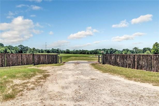 Farm House, Single Family - Navasota, TX