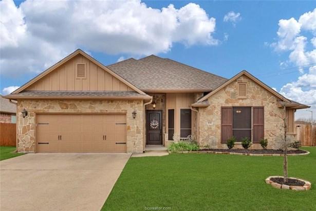 Traditional, Single Family - Bryan, TX