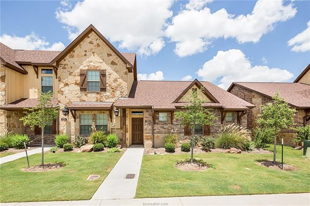 Townhome, Traditional - College Station, TX (photo 1)
