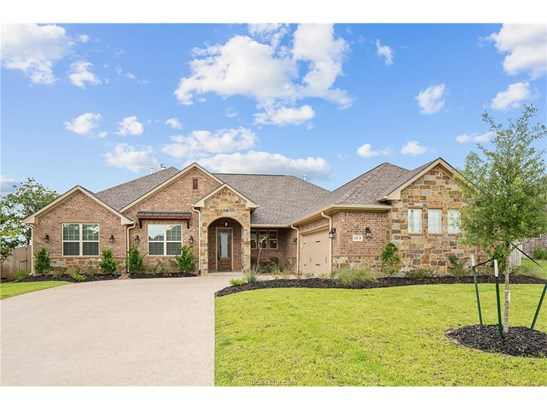 New Builder Home, Traditional - Bryan, TX (photo 5)