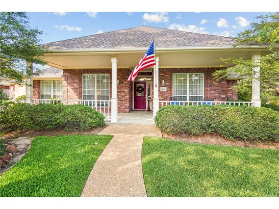 Traditional, Single Family - College Station, TX (photo 1)