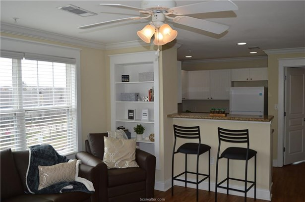Condo, Traditional - College Station, TX (photo 5)