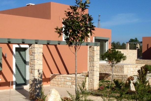 Egina - GRC (photo 1)
