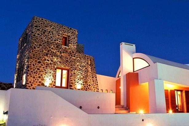 Santorini - GRC (photo 3)