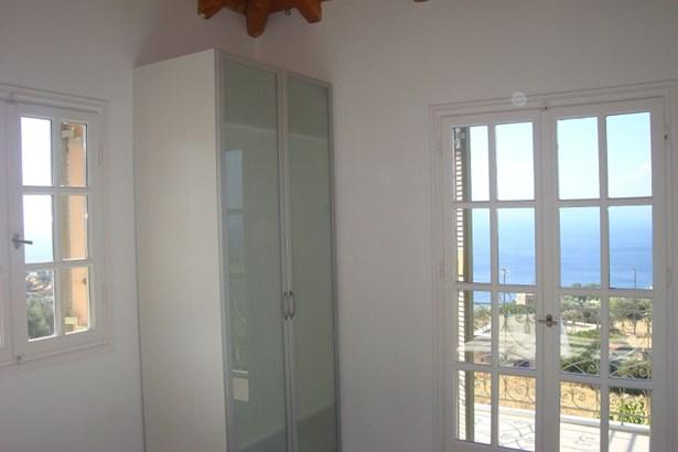Egina - GRC (photo 3)