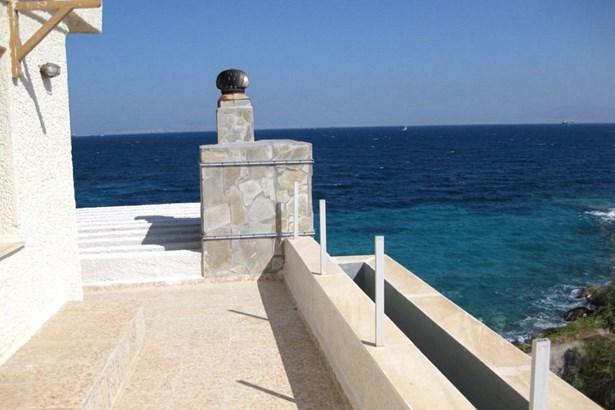 Egina - GRC (photo 4)