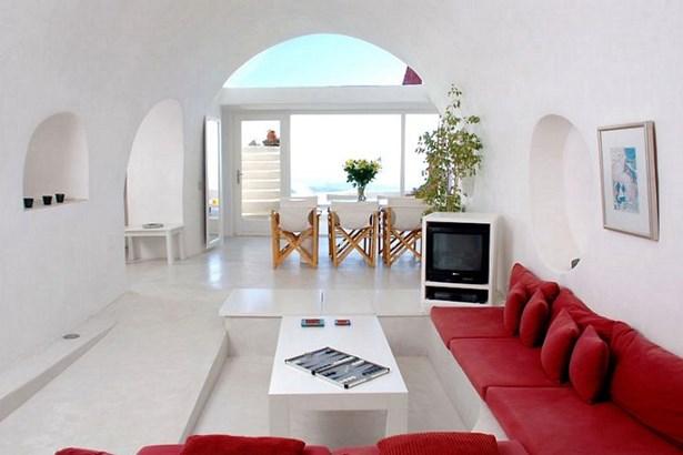 Imerovigli, Santorini - GRC (photo 4)