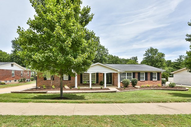 Residential, Traditional,Ranch - Ballwin, MO