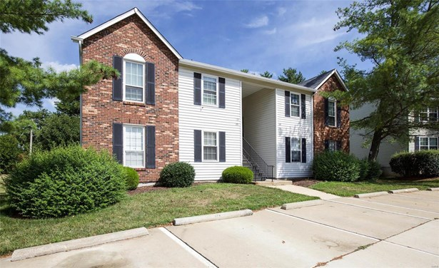 Condo, Traditional - St Peters, MO