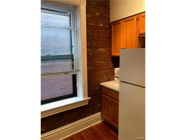 Residential, Traditional,1/2 Duplex - St Louis, MO (photo 4)