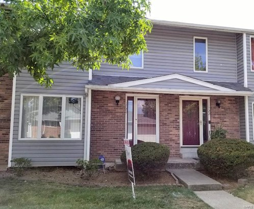 Traditional,Townhouse, Condo - St Charles, MO