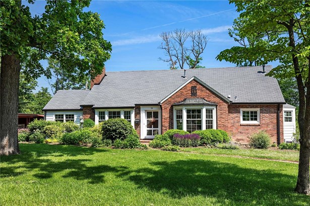Residential, Traditional - Glendale, MO (photo 1)
