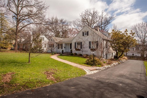 English,Traditional, Residential - Glendale, MO (photo 1)