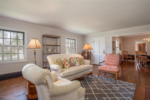 English,Traditional, Residential - Glendale, MO (photo 5)