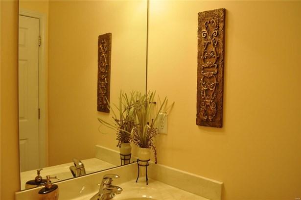 Residential, Traditional,A-frame - Ballwin, MO (photo 5)