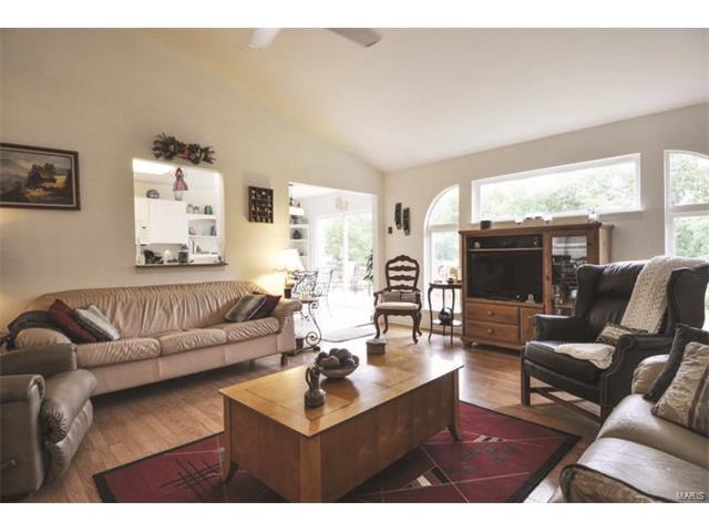 Residential, Traditional,Ranch - De Soto, MO (photo 2)