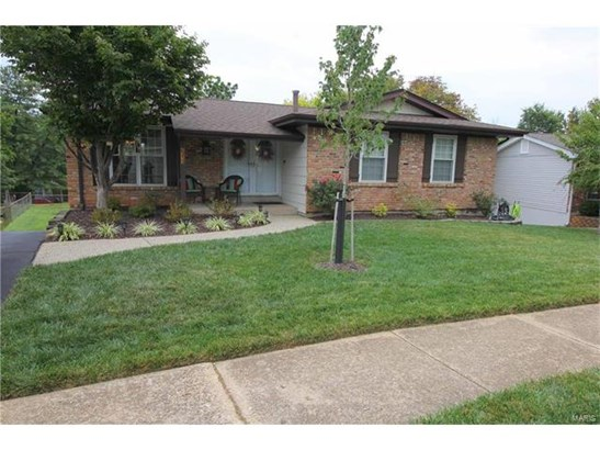 Residential, Traditional,Ranch - Ballwin, MO (photo 2)