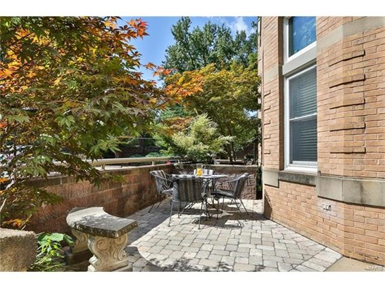 Traditional,Townhouse, Other,Condo/Coop/Villa - St Louis, MO (photo 3)
