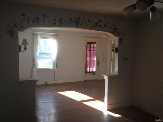 Residential, Traditional,Ranch - Glendale, MO (photo 4)