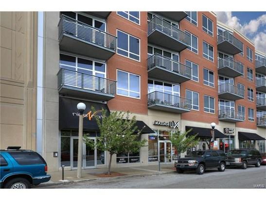 Condo,Condo/Coop/Villa, Contemporary,Garden Apartment - St Louis, MO (photo 1)