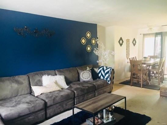Traditional, Apartment Complex - Florissant, MO (photo 2)