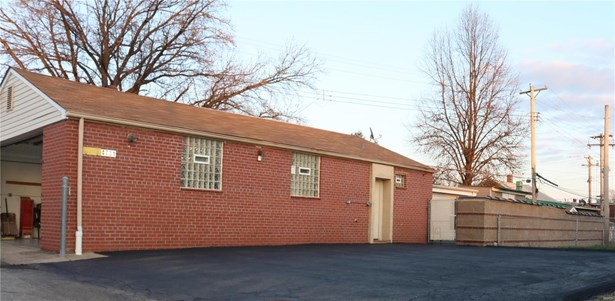 Residential, Traditional,Ranch - St Louis, MO (photo 4)