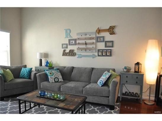 Contemporary,Traditional,Garden Apartment - Apartment Complex,Condo,Condo/Coop/Villa (photo 3)