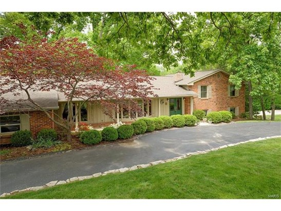 Residential, Traditional - Sunset Hills, MO (photo 1)