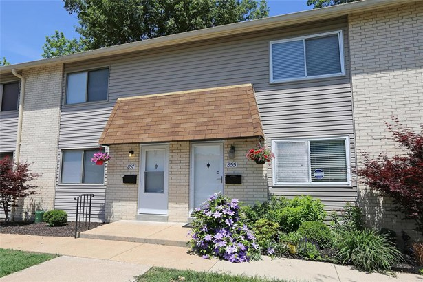 Traditional,Townhouse, Condo - Ballwin, MO