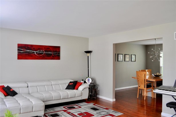 Residential, Traditional,A-frame - Dardenne Prairie, MO (photo 3)