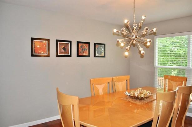 Residential, Traditional,A-frame - Dardenne Prairie, MO (photo 4)