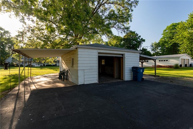 Bungalow / Cottage, Residential - St Louis, MO (photo 4)