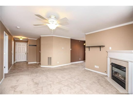 Condo,Condo/Coop/Villa, Traditional,Garden Apartment - St Peters, MO (photo 4)