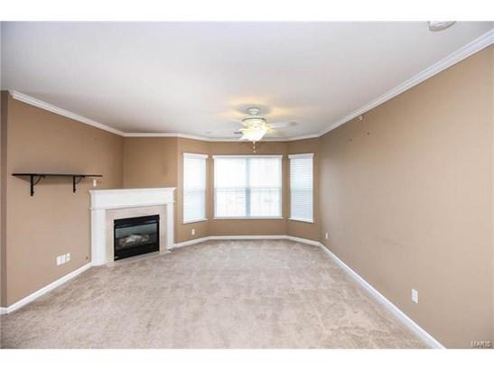 Condo,Condo/Coop/Villa, Traditional,Garden Apartment - St Peters, MO (photo 5)
