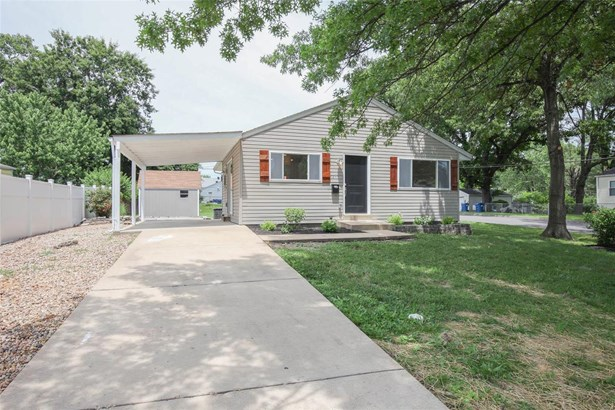 Residential, Traditional,Ranch - Overland, MO (photo 2)