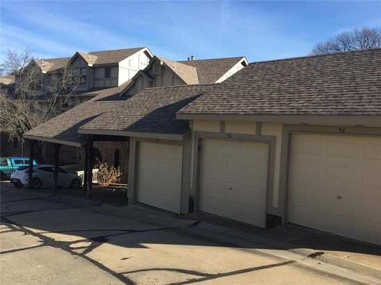 Traditional,Townhouse, Condo - Maryland Heights, MO (photo 3)