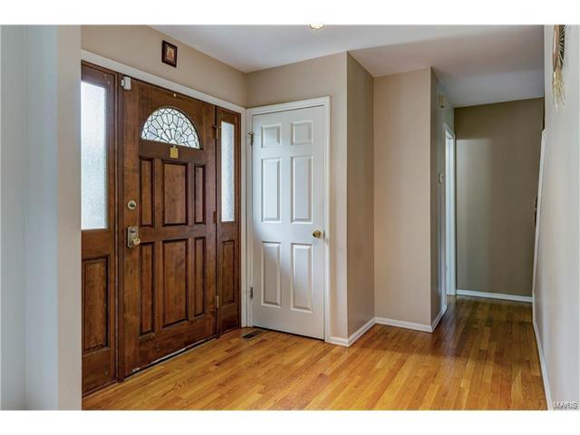 Residential, Traditional - Ballwin, MO (photo 3)
