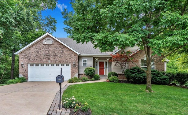 Residential, Traditional,Ranch - Lake St Louis, MO