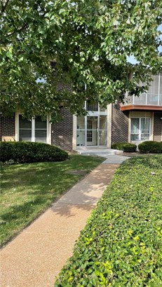 Traditional,Ranch, Apartment Complex - St Louis, MO