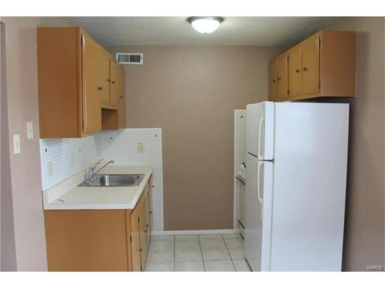 Apartment Complex,Apt Bldg/Interior En,Multi-Family 5+ - Low/1-2 (photo 5)