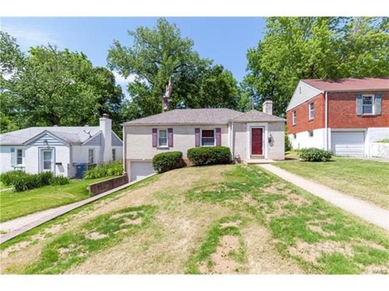 Bungalow / Cottage, Residential - Ferguson, MO (photo 2)